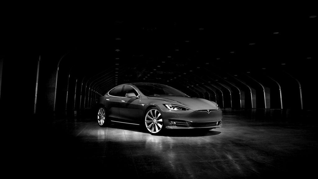 Érkezik a családbarát Tesla?